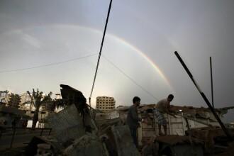 Un avion militar israelian a atacat un vehicul, in Fasia Gaza. Doua persoane au murit