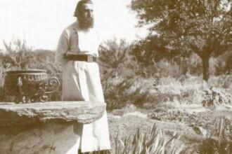 Peste 13.000 de pelerini din toate colturile tarii au ajuns la mormantul parintelui Arsenie Boca