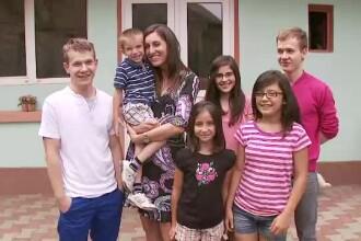Mama pentru copiii altora, partea I. Cati Guguianu, femeia care la 30 de ani a facut deja 6 minuni