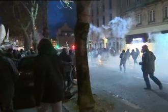 Lupte de strada la protestul privind cresterea taxelor in Franta. Sase persoane au fost ranite