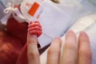 Copilul care avea la nastere doar 700 de grame si-a sarbatorit primul an de viata. Cum arata acum. FOTO