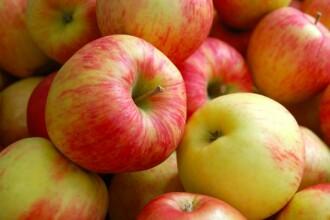 Cât de sănătoase sunt fructele pe care le cumpărăm din comerţ. Conservanţii dintr-un măr