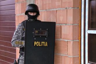 Mai multe perchezitii au avut loc la locuintele a zece persoane din Targu Mures