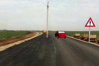 Stalpul uitat de olteni in mijlocul drumului, demolat. Localnicii isi facusera deja planuri cu el