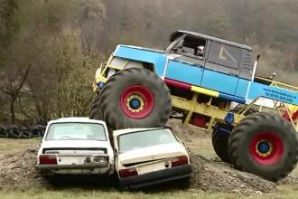 Primul parc de monstertruck, deschis in Romania. Soferii curajosi pot incerca toate nebuniile pe care si le-au imaginat