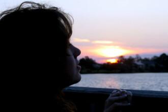 Cinci obiceiuri proaste care va afecteaza sanatatea mintala