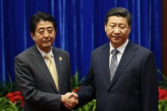 Moment stanjenitor la summitul APEC. Presedintele Chinei si premierul Japoniei s-au tratat cu raceala la salut. VIDEO