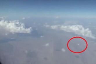 Ce a vazut un pasager cand s-a uitat pe geamul avionului. Imaginile au devenit imediat virale. VIDEO