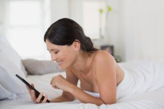 Studiu: Femeile moderne prefera tehnologia si somnul in locul sexului