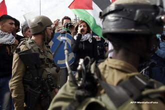Atac terorist in Israel. Doi palestinieni inarmati cu topor si pistol au intrat intr-o sinagoga si au inceput sa loveasca