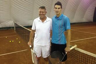 Iohannis a jucat tenis la un club din Sibiu. Ce i-a transmis la final tanarului tenismen Victor Cornea