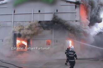 Incendiu devastator la o fabrica de mezeluri din Pitesti. Doi pompieri s-au salvat in ultima secunda