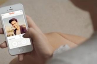 Tinder, cea mai populara aplicatie de dating in randul tinerilor, folosita tot mai des si de categoria mijlocie de varsta