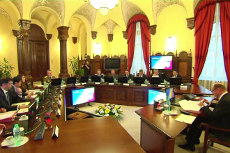 Sedinta CSAT: Basescu si Ponta nu s-au inteles pe bugete. L-au aprobat doar pe cel pentru