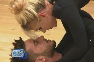 Corina Bud si Dorian Popa, pasionati de un nou sport. Ce presupune acro-yoga, combinatia perfecta dintre miscare si arta