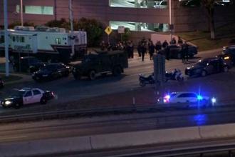 Un barbat a deschis focul in mai multe zone din orasul Austin. Autoritatile americane au anuntat ca atacatorul a murit