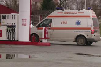 Noua persoane, ranite dupa ce un microbuz cu pasageri a derapat si s-a rasturnat intr-un sant, in Arges