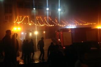 Incendiu la un club din Constanta. 100 de persoane evacuate de urgenta, 2 persoane s-au intoxicat cu fum