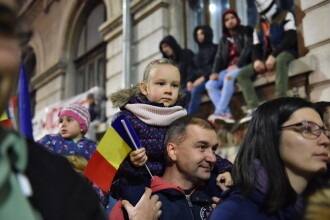 Mars de protest pe traseul Piata Universitatii - Clubul Colectiv. Tinerii cer in continuare schimbarea clasei politice