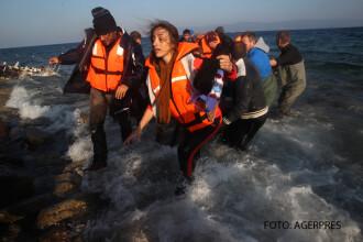 Un copil de 2 ani, primul migrant mort in 2016. 40 de refugiati incercau sa ajunga cu o barca din Turcia in Grecia