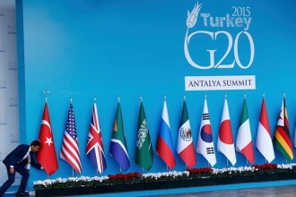 Discutie secreta intre Obama si Putin, la summitul din Turcia, pe tema amenintarii jihadistilor infiltrati in Europa