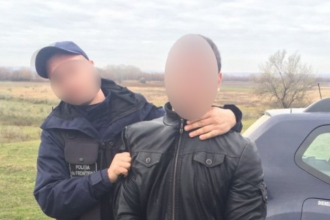 Doi cetateni moldoveni convertiti la islam, retinuti cu focuri de avertisment la granita cu Romania. Ce s-a gasit asupra lor