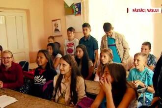 """In Vaslui, inspectoratul scolar i-a pus pe elevi in """"silenzio stampa"""". Scoala de 30 de miliarde care nu e gata din 2007"""