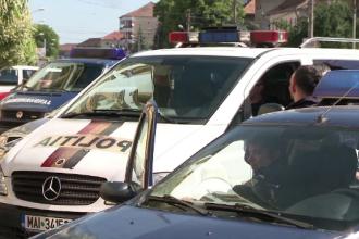 7 barbati din Sibiu, acuzati de trafic de persoane si proxenetism. Peste 20 de fete, sechestrate si fortate sa se prostitueze