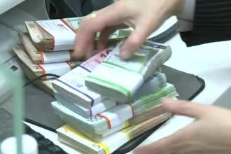 Bancă amendată de ANPC şi somată să restituie sute de milioane