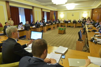 Majorari salariale in sanatate si invatamant, decise de deputati. Ministrul Muncii: Sunt pomeni electorale fara resurse
