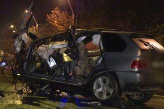Accident violent in Capitala, dupa ce o masina a derapat pe soseaua uda si a intrat in copac. Un barbat, in stare grava