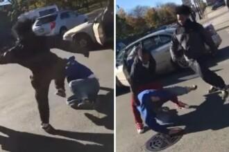 Scene violente in Chicago. Un barbat a fost batut pe strada pentru ca ar fi votat cu Donald Trump. VIDEO