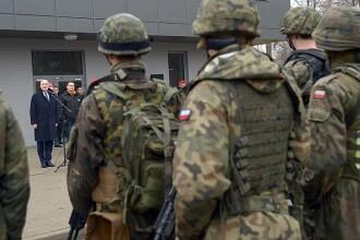 Polonia mobilizeaza zeci de mii de oameni pentru a face fata Rusiei.