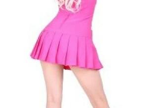 A investit peste 100.000 de lire sterline ca sa arate ca papusa Barbie, acum vrea sa faca la fel cu fiica ei. Decizia luata