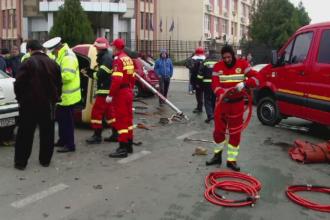 Carambol cu 8 masini in Constanta. Soferul unui taxi si pasagerul sau, grav raniti in incident