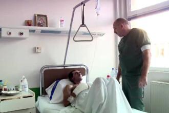 Un barbat fara adapost a fost salvat de la moarte de medici, dar ar putea fi ucis de birocratie.