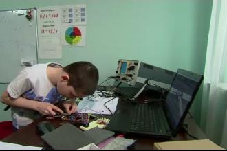 Geniul de 9 ani care deja studiaza la facultate informatica si matematica. Ce i-a oferit guvernul baiatului