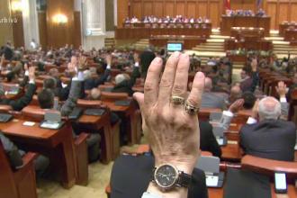 Cadou amar de sarbatori, facut de Parlament. Ce patesc cei care nu-si platesc facturile la caldura si gunoi in 45 de zile