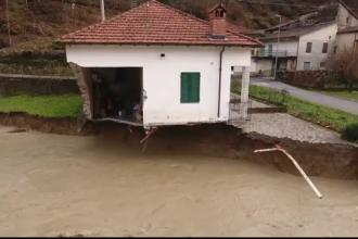 Inundatii devastatoare in Italia. O persoana a murit si trei au fost date disparute; case si poduri distruse de viituri