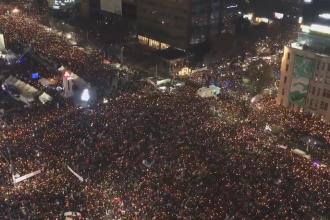Noua manifestatie in strada, in Coreea de Sud. Un milion de oameni au cerut demisia presedintei la Seul