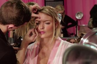 Show-ul Victoria's Secret are loc pentru prima data la Paris. Modelele sunt sfatuite sa aiba mare atentie la jafuri