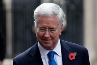 Ministrul britanic al Apărării a demisionat după ce a fost acuzat de o jurnalistă de abuz sexual