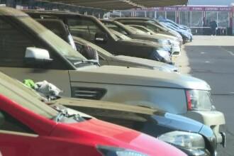 Guvernul vrea să facă rost de bani taxând samsarii de maşini. Cât a crescut piaţa de