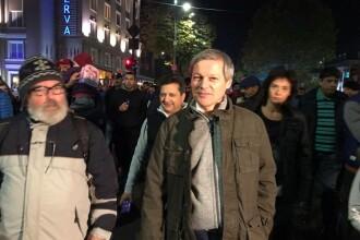 """Dacian Cioloș, alături de cei 15.000 de oameni care au protestat în București. """"Se ajunge la o limită"""""""