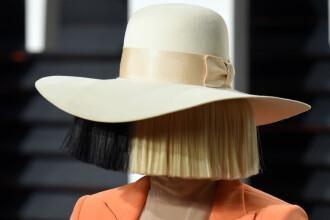Sia a pus o poză dezbrăcată pe Twitter, ca să scape de paparazzi