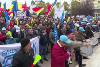 """10.000 de salariați au protestat la uzina Dacia față de """"revoluția fiscală"""" anunțată de Guvern"""