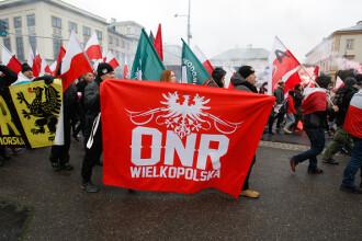 Zeci de mii de tineri ultranaționaliști au mărșăluit pe străzile din Polonia, într-o acțiune de extremă dreapta