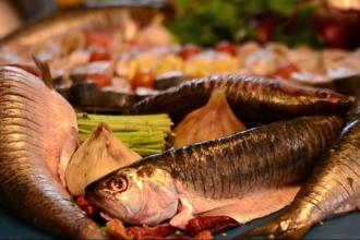 Deliciile tradiționale din pește prins în Delta Dunării ajung tot mai mult în magazinele din țară