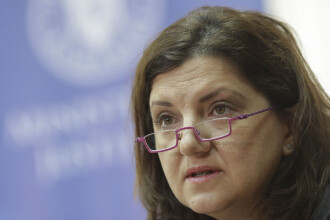 """Fostul ministru Raluca Prună îi cere demisia lui Tudorel Toader: """"A preferat să mintă o naţiune"""""""
