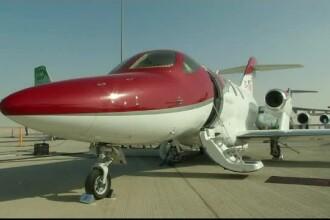 Lux la cel mai înalt nivel în Dubai. Cum arată un avion privat, îmbrăcat într-un lac cu praf de diamant